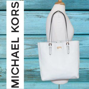 Michael Kors Jet Set Travel Large NS Tote in Cream
